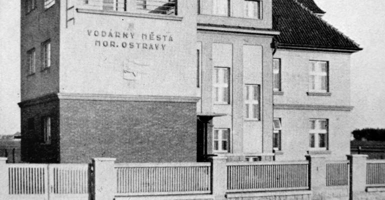 Budova velína vodárenské soustavy v polovině 30. let